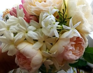 Bouquet di Gelsomino Sambac, Gelsomino Officinalis e Rose